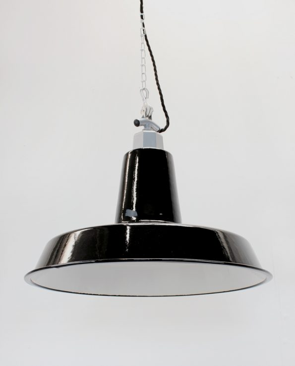 XXL workshop enamel light shade